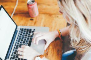 Standard virtuel : votre allié pour travailler à domicile